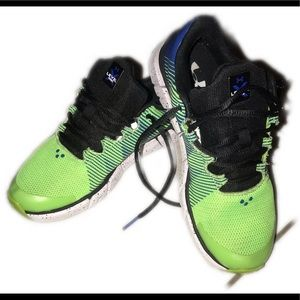 Youth Under Armour Neon green kicks